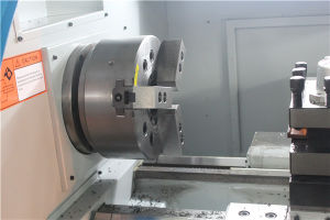 Metal Cutting Manual Threading CNC Lathe Machine pictures & photos