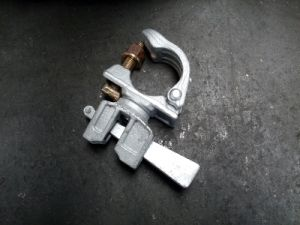 48.3mm Scaffolding Swivel Coupler with Welded Cast Steel Wedge pictures & photos