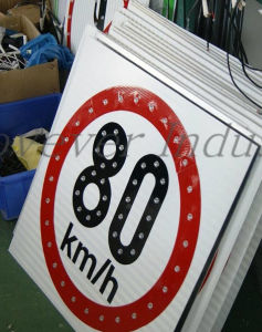 Speed Limited Solar Traffic Sign 600mm (embedded solar panel) pictures & photos