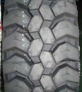Cheap Price Boto Truck Tyre 13r22.5, Radial Truck Bus Tyre pictures & photos