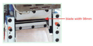 Ultrasonic Woven Elastic Trademark Cutting Machine pictures & photos