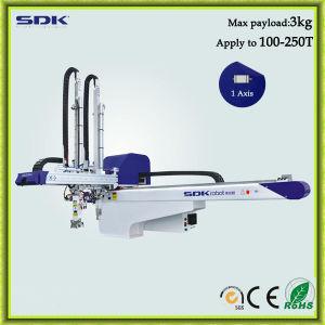 AC Servo Traversing Robotic Arm for Injection Molding Machine (ADI-750+S)