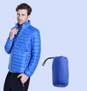 Men′s Ultra Light Puffer Down Jacket Super Soft Portable Coat pictures & photos