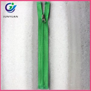 Various Sizes Nylon Zipper Factory Different Quality pictures & photos