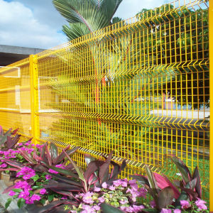 Welded Panelled Mesh Fence pictures & photos