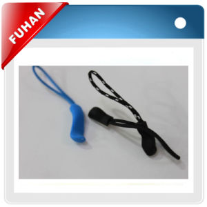 Fashion Color Silicone and Plastic Zipper Pullers for Garment pictures & photos