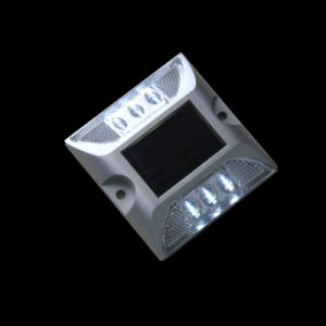 Green Light Pavement Road Marker Solar LED Road Stud pictures & photos