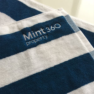 Customized High Quality Stripe Hotel Beach Towel pictures & photos