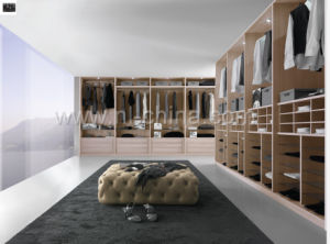 Modern Wood Bedroom Furniture Walk in Closet pictures & photos