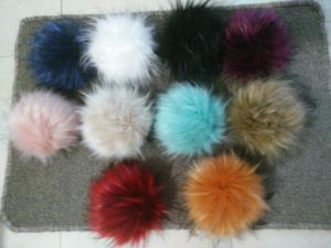 Factory Wholesale Genuine Faux Raccoon Fur Ball in 6-10 Cm pictures & photos