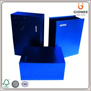 Delicated Foldable Gift Paper Packaging Box for Cosmetic, Electronic pictures & photos