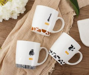 Unique New Drinking Mug, Round Mug for Drinking, Short Mug with Flower Decal pictures & photos