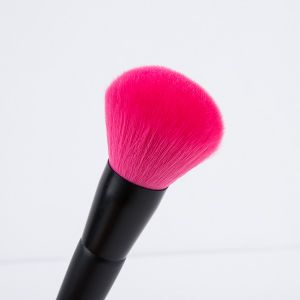 Blush Brush with Red Synthetic Hair Plastic Handle pictures & photos