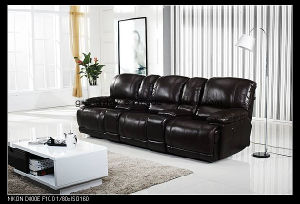 Electric Recliner Cinema Chair Real Leather Lounge Sofa Power Recliner Chair with Console Black pictures & photos
