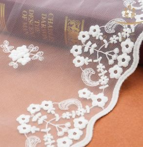 2017 Mesh Spring New Design Cotton Embroidery Lace Fabric pictures & photos