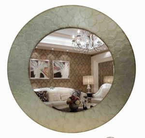 Round Handmade Leaf Mirror Wall Mirror for Home Decoration pictures & photos
