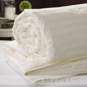Thx Brand Dobby Stripe Queen Size Mulberry Silk Quilt pictures & photos