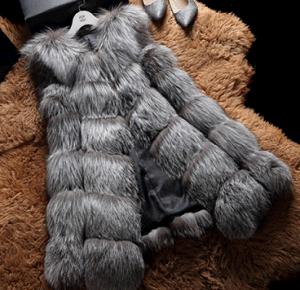 Hot Sale Natural Women Silver Fox Fur Vest pictures & photos