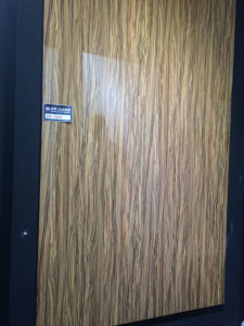High Glossy Standard Woodgrain MDF UV Board (ZHUV) pictures & photos