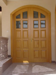 Classical Entrance Wooden Door/ Solid Wood Door for Apartment pictures & photos
