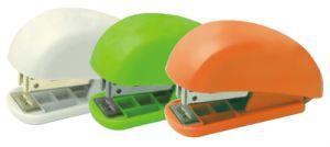 Wd-S-015 Manual Mini Desk Stapler pictures & photos