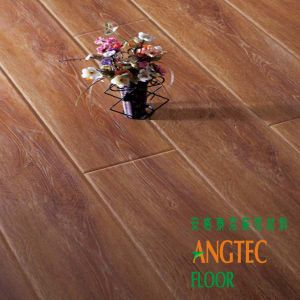 New Arrivals 10 mm AC3 Handscraped Laminate Flooring Oak pictures & photos