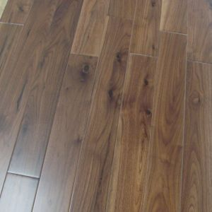 Popular Design Wide Plank American Walnut Hardwood Flooring pictures & photos