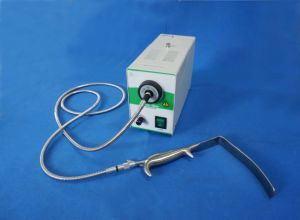 LED Medical Cold Light Source with Breast Retractor pictures & photos
