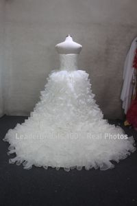 100% Real Photos Bridal Gowns Cascading Ruffles Wedding Dress H2017723 pictures & photos