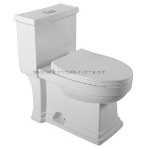 2017 Cupc Certification Ceramic Toilet for North America pictures & photos
