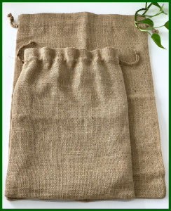Eco-Friendly Drawstring Nuts Jute Bag Foe Food Packing pictures & photos