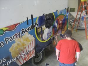 Custom Full Color Printed Graphic Wrapped Sticker for Car Van and Fleet pictures & photos