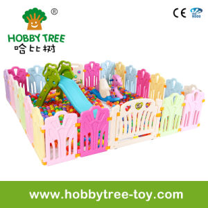 2017 Children Plastic Play Fence with Game Panel (HBS17073A) pictures & photos