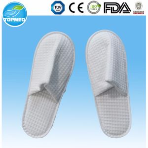 High Quality Men′s Cheap EVA Indoor Bedroom Hotel Slippers pictures & photos