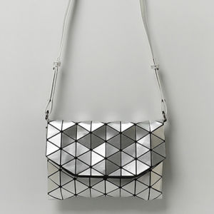 Silver Rhombic Geometry PU Removable Strap Handbag (A0109-11) pictures & photos