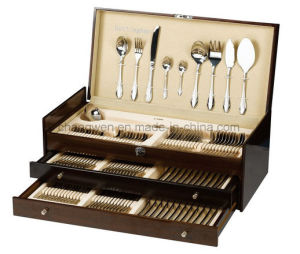 90PCS Stainless Steel Flatware Set in Luxurious Wood Case pictures & photos