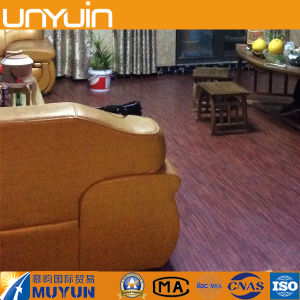 Hot Selling New Product Wood Grain PVC Flooring pictures & photos