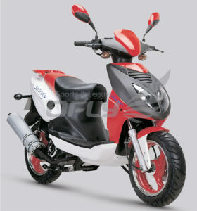 Gas Motor Scooter with 4 Stoke 150cc Engine (Raptor YY150T-28C) pictures & photos