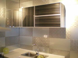 Glass Tiles for Kitchen Decoration