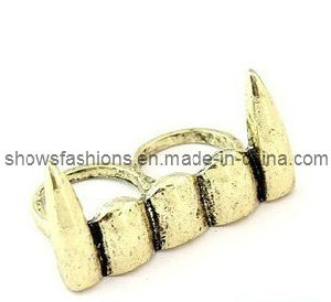 Two-Finger Alloy Antique Plated Punk Style Jewelry Ring (XRG12124) pictures & photos
