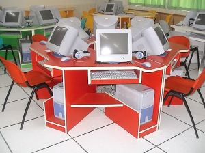 Large Wooden School Computer Desk Table pictures & photos