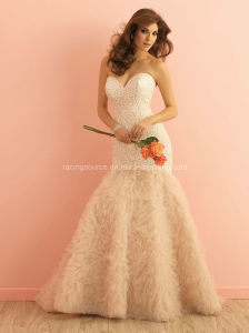 Embroidary Mermaid Bridal Gown Ruffle Wedding Dress pictures & photos