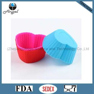 7cm Heart Shape Cake Tool Silicone Muffin Cupcake Mold Sc15 pictures & photos