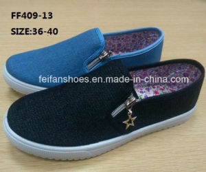 New Design Women Injection Canvas Shoes Slip-on Shoes (FF409-13) pictures & photos