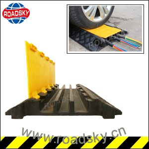 Yellow 3 Channels Outdoor Rubber Cable Protector for Floor pictures & photos