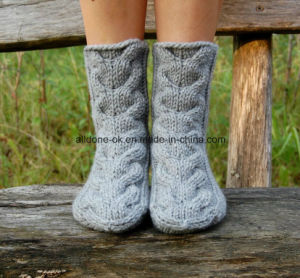 Cable Hand Knit Home Wool Slippers Bed Socks Boots pictures & photos