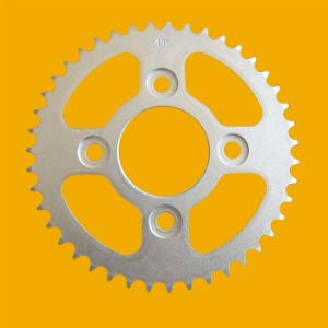 Wholesale Low Price Silver Cg125 Motorcycle Sprocket pictures & photos
