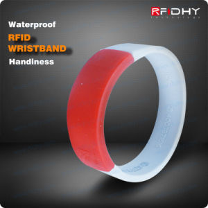 Fashion RFID Waterproof Silicone Wristband/Bracelet pictures & photos