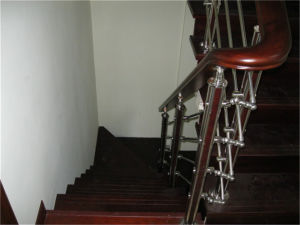 Warm Tide Simple Wooden Staircase Handrail pictures & photos