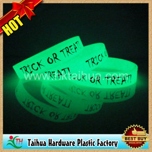 Custom Blue Glow in The Dark Silicone Bracelet (TH-band099) pictures & photos
